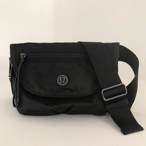 Lululemon | Black Crossbody All Night Festival Bag